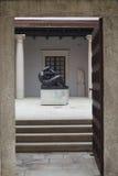 Entrata al vecchio palazzo Fotografia Stock