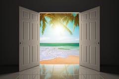 Entrata alla bella spiaggia Immagine Stock