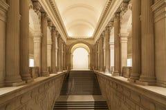 Entrata alla costruzione classica di stile Immagine Stock Libera da Diritti