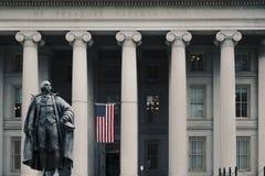 Entrata alla costruzione di Ministero del Tesoro degli Stati Uniti fotografia stock libera da diritti