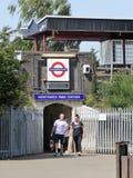 Entrata alla stazione ferroviaria metropolitana sotterranea di Londra del parco di Northwick fotografia stock libera da diritti