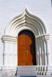 Entrata alla vecchia chiesa in trinità Sergius Lavra Immagine Stock