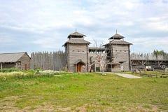 Entrata alla vecchia fortezza di legno Immagine Stock Libera da Diritti