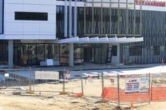 Entrata anteriore di costruzione in costruzione Immagine Stock Libera da Diritti