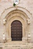 entrata Cattedrale Di Puglia di Ruvo Puglia L'Italia immagine stock libera da diritti