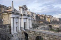Entrata Citta Alta, Porta San Gioacomo, Bergam della porta della città antica Immagini Stock Libere da Diritti