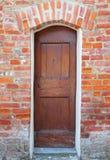 Entrata con la vecchia porta d'annata fotografia stock libera da diritti