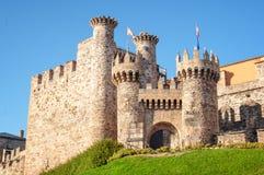 Entrata del castello di Ponferrada fotografie stock