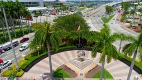 Entrata del centro del porto di Miami stock footage