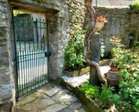 Entrata del cortile di Bacco della casa Fotografia Stock Libera da Diritti