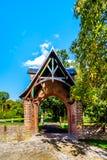 Entrata del portone al parco che circonda Catle De Haar fotografia stock libera da diritti