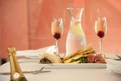 Entrata del ristorante con champagne Immagini Stock Libere da Diritti
