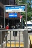 Entrata del treno del PERCORSO Immagini Stock Libere da Diritti