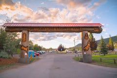 Entrata dell'arco del ceppo a Williams Lake Stampede Park immagini stock libere da diritti