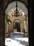 Entrata della chiesa in Grecia Immagine Stock