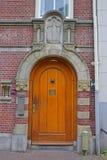 Entrata della porta principale al Begijnhof a Amsterdam, Paesi Bassi fotografia stock