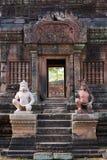 Entrata di Banteay Srei Fotografie Stock Libere da Diritti