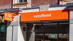 Entrata di Easyhotel a nuovo noioso facile immagine stock