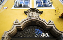Entrata di Getreidegasse 9 - Mozart& x27; birthhouse di s a Salisburgo Fotografie Stock