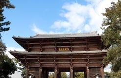 Entrata di legno antica dell'arco del tempio di Todaiji Fotografia Stock