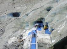 Entrata di Montenvers alla caverna di ghiaccio sul mare del ghiacciaio del ghiaccio Fotografia Stock Libera da Diritti