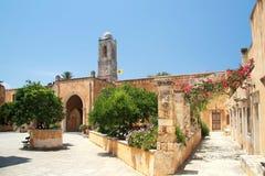 Entrata e cortile del monastero della trinità santa 161 Fotografia Stock Libera da Diritti
