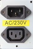 entrata e sbocco di potere di 220 volt per l'alimentazione elettrica Fotografia Stock