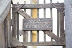 Entrata Gated proprietà privata Immagini Stock Libere da Diritti