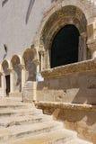 entrata La cattedrale Trani Puglia L'Italia immagini stock