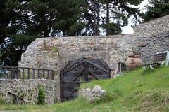 Entrata medievale della fortezza (Risnov, Romania) Fotografia Stock Libera da Diritti