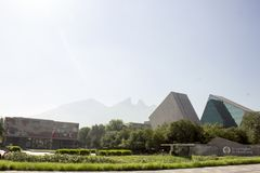 Entrata principale del gico y de Estudios Superiores di Monterrey a Monterrey, Nuevo Leon, Messico del ³ di Instituto Tecnolà immagine stock