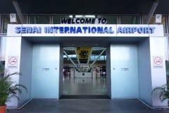 Entrata principale dell'aeroporto di Senai situata in Johor, Malesia immagini stock libere da diritti