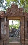 Entrata in tempio di Banteay Srei Immagini Stock