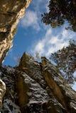 Entre as rochas Fotografia de Stock
