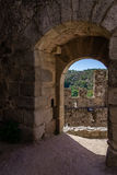Entrée de Bailey du château de Templar d'Almourol Photographie stock libre de droits
