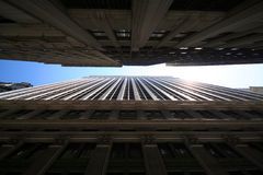 Entre edifícios foto de stock royalty free