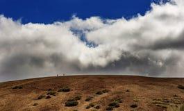 Entre el cielo y la tierra Foto de archivo libre de regalías