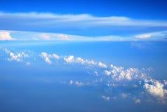 Entre el cielo y las nubes Fotos de archivo libres de regalías