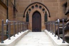 Entrée à la cathédrale de cathédrale de rue Mary. Image libre de droits