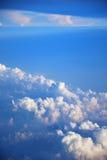 Entre las nubes y el cielo Imagen de archivo libre de regalías