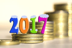 2017 entre moedas das barras Foto de Stock