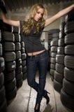 Entre pneumáticos Fotografia de Stock Royalty Free