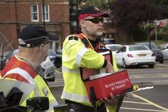 Entrega de fuentes de sangre urgentes Fotos de archivo libres de regalías