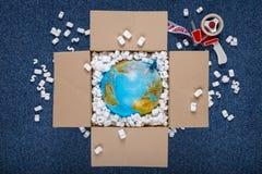 Entrega del mundo Imágenes de archivo libres de regalías
