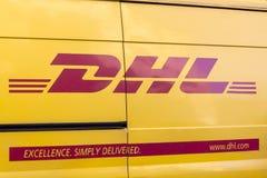 Entrega Van de DHL fotografia de stock royalty free