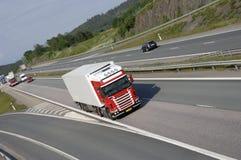 Entrega vermelha do caminhão Fotografia de Stock