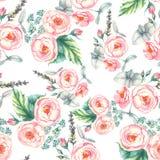 Entregue a aquarela tirada o teste padrão sem emenda floral com as rosas cor-de-rosa macias dentro na luz - fundo azul Fotos de Stock Royalty Free