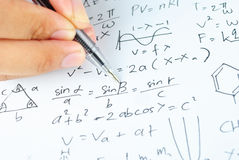 Entregue a escrita de várias matemáticas e de ciência da High School Imagens de Stock