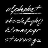 Entregue o alfabeto tirado do giz, fonte, letras isoladas Foto de Stock
