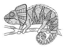 Entregue o estilo tirado do zentangle do camaleão para o livro para colorir, o efeito do projeto da camisa, o logotipo, a tatuage Fotografia de Stock